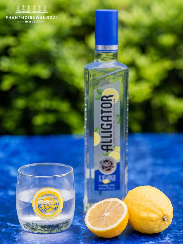 Rượu Vodka Cá Sấu Chanh được làm từ Vodka Cá Sấu Xanh và tinh chất chanh tươi